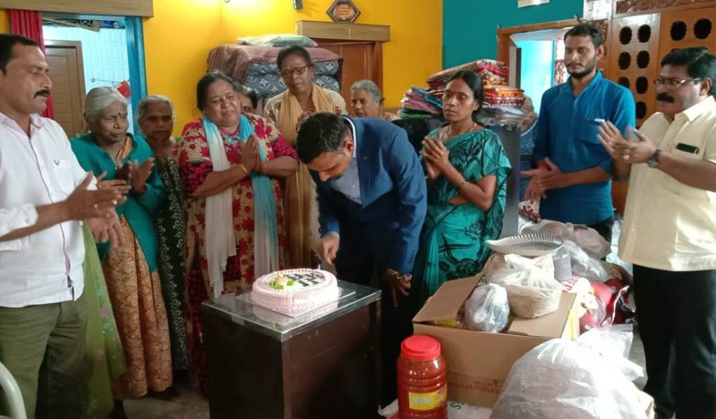 GB Poojari Birthday at Old age Home